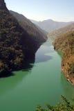 Aqua Green River Beas EN HImalachal la India Fotografía de archivo libre de regalías