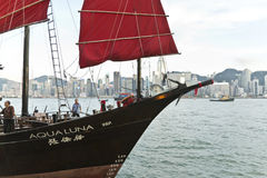 Aqua Luna Junk Harbour Cruise In Hong Kong. The Aqua Luna, known in Cantonese as the Cheung Po Tsai, is a Chinese Junk operating in Victoria Harbour, Hong Kong Stock Photos
