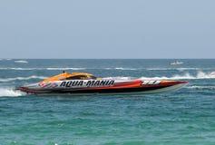 Aqua Mania-snelheidsboot het rennen Stock Afbeelding