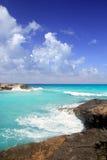 Aqua roccioso del nord del litorale di Formentera di calo di Escalo es fotografie stock