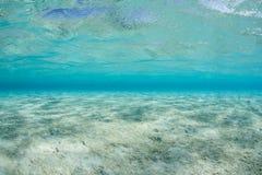 Aqua Water e sabbia in laguna fotografie stock
