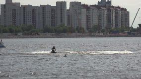 Aquabike Curvas a la velocidad 4K almacen de video