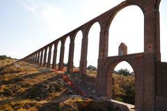 Aquaduct van Aalmoezenier Tembleque I stock foto's