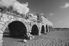 Aquaeductus romano di età a Cesarea Fotografia Stock Libera da Diritti