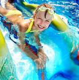 aquapark ύδωρ φωτογραφικών διαφανειών παιδιών Στοκ Φωτογραφίες