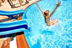 aquapark ύδωρ φωτογραφικών διαφανειών παιδιών Στοκ εικόνες με δικαίωμα ελεύθερης χρήσης