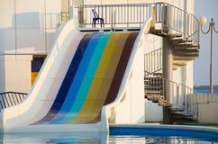 滑在aquapark 免版税库存图片