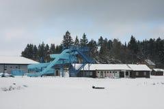 Aquapark abandonado en invierno Fotos de archivo libres de regalías