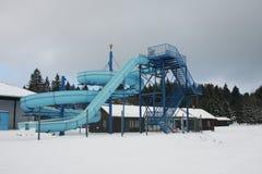Aquapark abbandonato nell'inverno Fotografie Stock