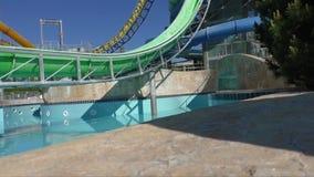 Aquapark-Diarohr lokalisiert stock footage