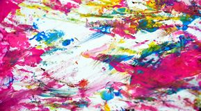 A aquarela brilhante vívida azul do ouro branco do rosa pinta o fundo, a textura e cursos abstratos acrílicos da escova imagens de stock