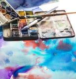Aquarelle und Malerpinsel Lizenzfreies Stockfoto