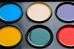 Aquarellfarben im Kasten lizenzfreies stockfoto