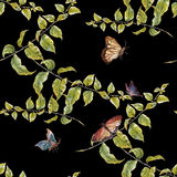 Aquarellmalereiblatt, Schmetterling, nahtloses Muster auf dunklem Hintergrund Stockfoto