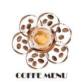Aquarellröstkaffeebohnen genau, Ausschnittskizze Heiße Tasse Kaffee- und Kaffeeflecke herum Lizenzfreies Stockfoto