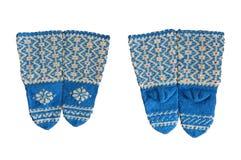 Aqueça as peúgas de lã feitas malha isoladas em um branco fotografia de stock royalty free