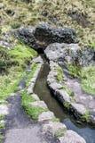 Aquedotto antico di Cumbe Mayo nel Perù Fotografie Stock
