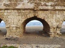 Aquedotto sulla spiaggia a Cesarea Fotografia Stock Libera da Diritti