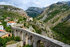 Aquedotto in vecchio Antivari, Montenegro Fotografie Stock