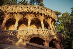 Aqueduc antique en parc Guell Photo libre de droits
