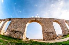 Aqueduc de Kamares près de Larnaca, Chypre Photographie stock libre de droits