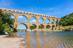 Aqueduct Pont du Gardon in Provence Stockbilder