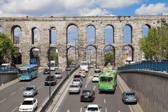 Aqueduto de Valens em Istambul, Turquia Fotografia de Stock