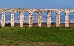 Aqueduto romano em Akko. Foto de Stock