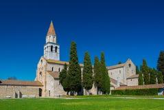 Aquileia Italien: Basilikadi Santa Maria Assunta Arkivbild