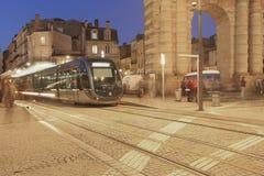 Aquitaine πόρτα και σύγχρονο τραμ, Μπορντώ Στοκ εικόνα με δικαίωμα ελεύθερης χρήσης