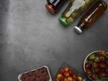 Arándano, feijoa, jugos del enebro y bayas frescas como fresa, frambuesa, cereza, concepto sano de la comida, rico en antioxidant fotos de archivo libres de regalías