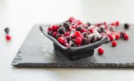 Arándano mezclado congelado Raspber de la pasa roja de las bayas de la fruta imagen de archivo