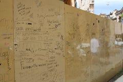 Arène Vérone un mur avec des textes Photos stock