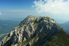 Arête de montagne de Piatra Craiului Photo stock