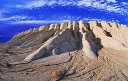 Arêtes blanches d'horizontal des montagnes Photos libres de droits