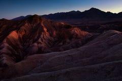 Arêtes colorées de point de Zabriskie au lever de soleil, Death Valley Nati photo stock
