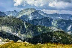 Arêtes de montagnes images stock