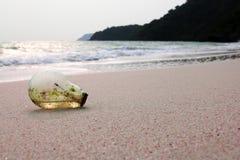 Żarówka na plaży Obrazy Stock