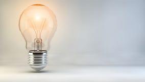 Żarówka pomysłu lampy światło zaświeca incydent ilustracji