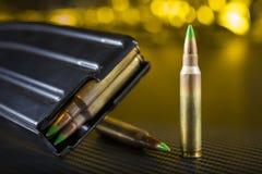 AR-15 πυρομαχικά και περιοδικό Στοκ Εικόνες
