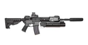 AR-15 (M4A1)在白色背景的马枪。 库存图片