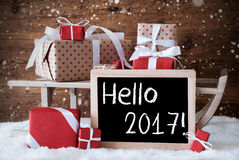 Ar met Giften, Sneeuw, Sneeuwvlokken, Tekst Hello 2017 Stock Foto's