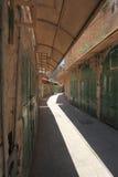 Arabe Souk avec des boutiques fermées pour Ramadan Images stock