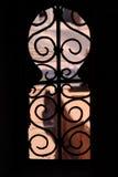 arabeskowego keyhole kształtny okno zdjęcie stock