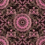 Arabeskowy kwiecisty wektorowy bezszwowy wzór Ornamentacyjny koronka adamaszka tło Elegancja różowy rocznik kwitnie z złocistym k royalty ilustracja