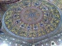 Arabesque in moschea decorata - Tetovo immagini stock libere da diritti