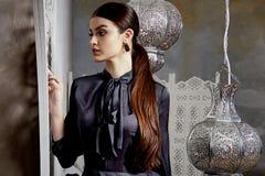 Arabic Марокко стиля красивых сексуальных волос брюнет женщины восточный Стоковое Фото