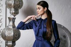 Arabic Марокко стиля красивых сексуальных волос брюнет женщины восточный Стоковые Фотографии RF