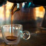 Arabica 100% grillade espressokaffebönor arkivfoto