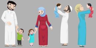 Arabieren die uit met Kinderen hangen Stock Fotografie